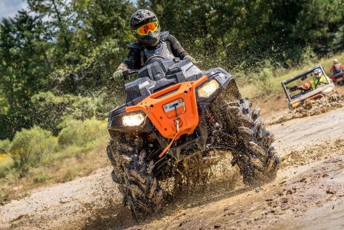 Чем интересен Polaris Sportsman XP 1000 High Lifter Edition?
